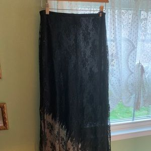 Vintage Stiletto black lace long skirt. M